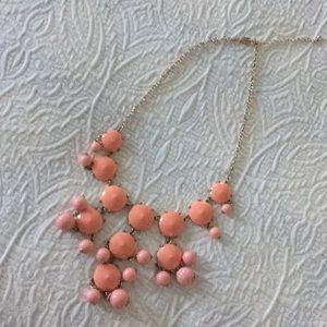 Statement necklace (peach/pink/gold chain)